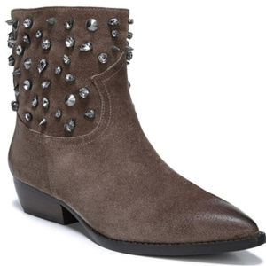 NEW | 9.5 | NEW | SAM EDELMAN STUDDED POINTED BOOT